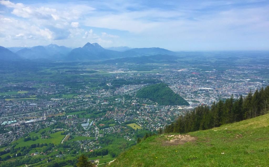 Blick über Salzburg zum Högl
