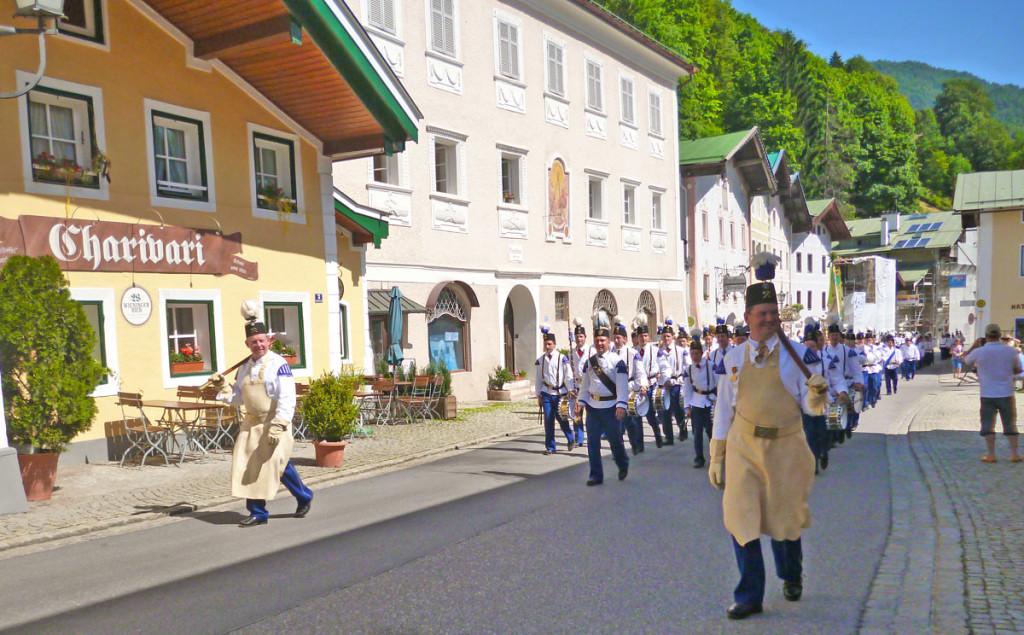 Umzug der Bergknappen durch das Nonntal Berchtesgaden