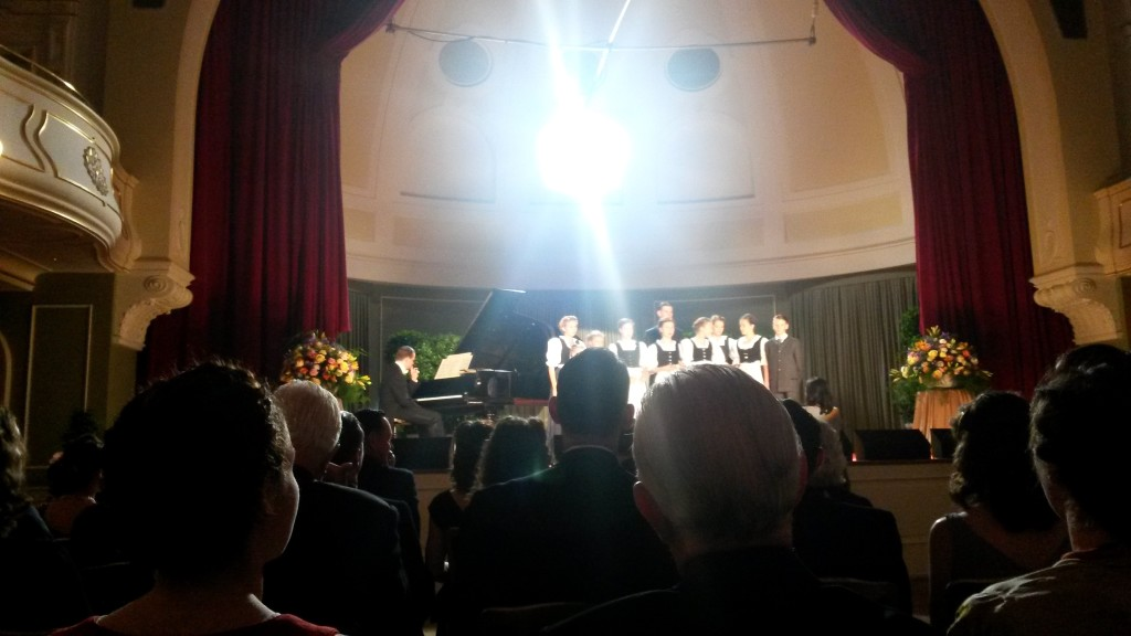"""Die Trapp-Kinder singen """"Ave Maria"""", ca. 20 Mal"""