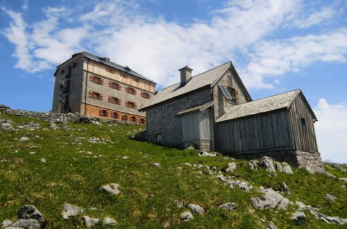 imposante Größe: das Watzmannhaus