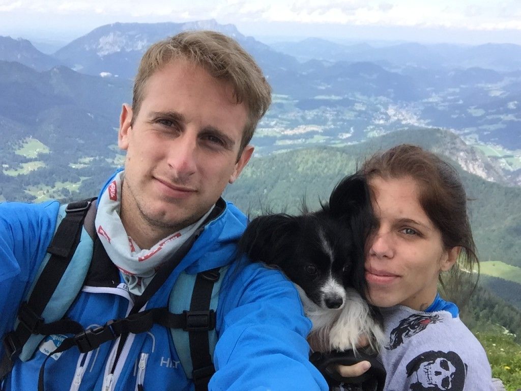 Hund und Mneschen am Watzmannhaus