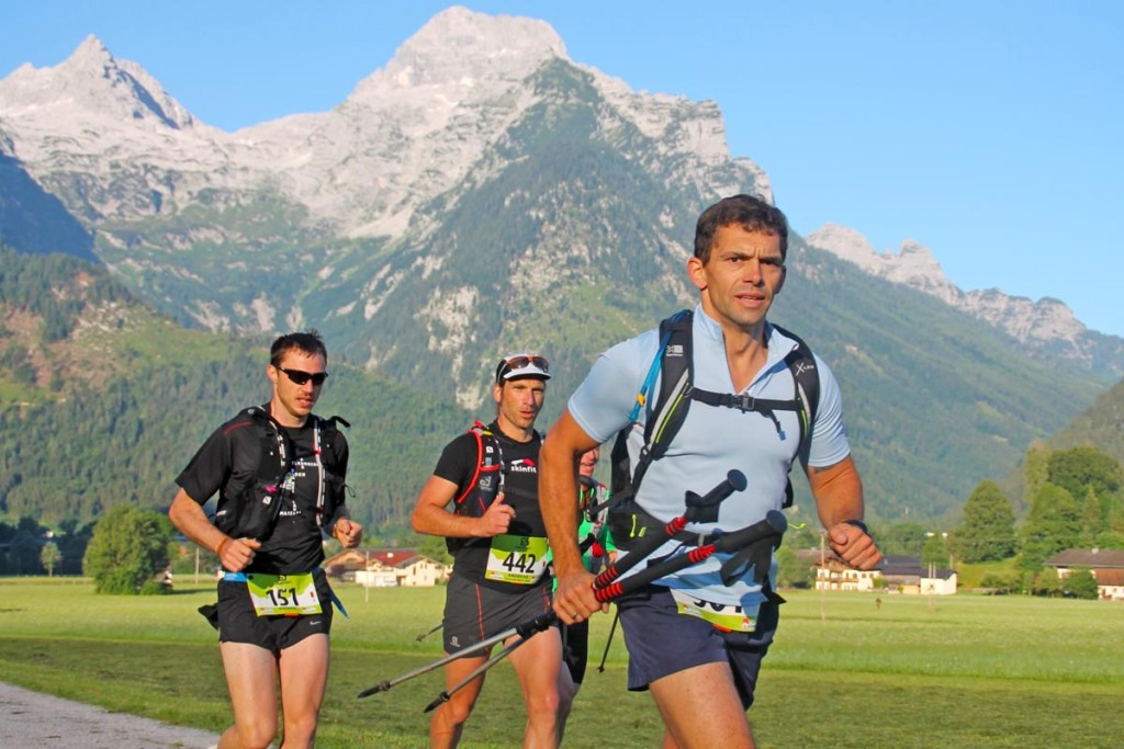Hauptmann Rainer Hauke 20 Minuten nach dem Start der letzten Etappe vor wunderschöner Kulisse.