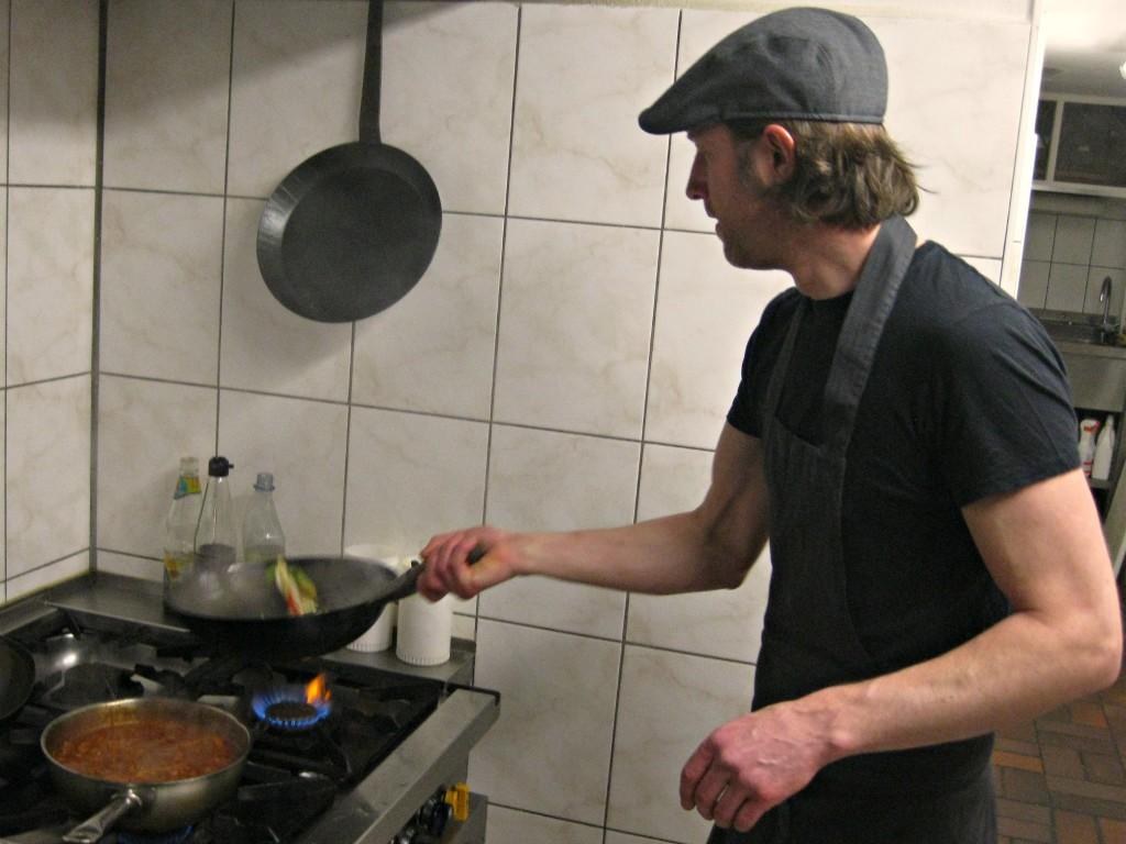 Kurz a Curry Stefan Kurz beim Kochen