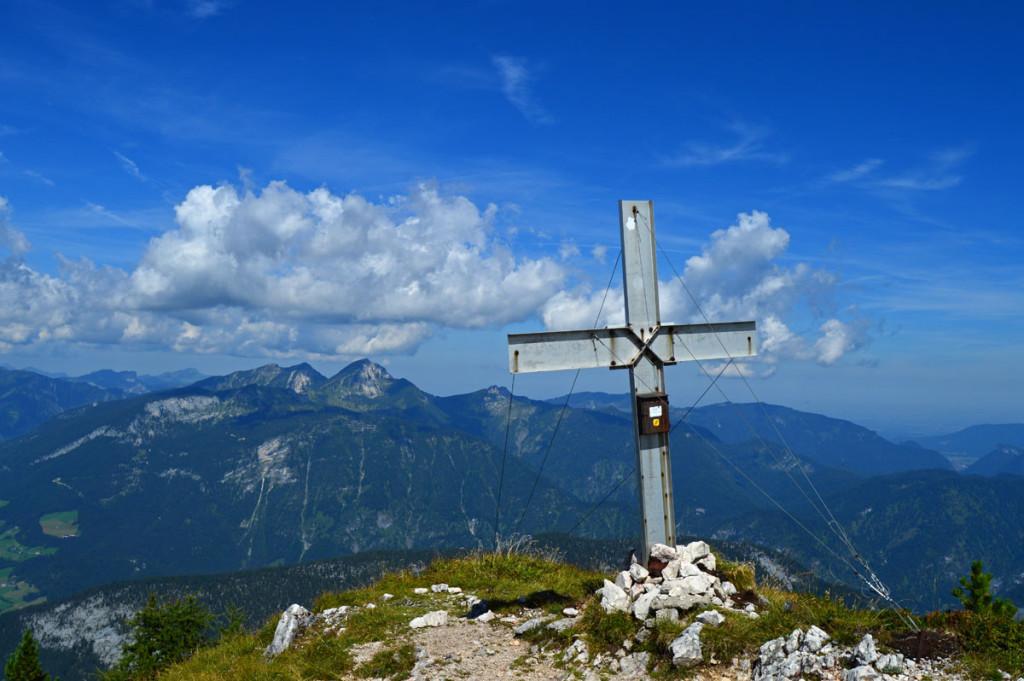 Das Gipfelkreuz auf dem Großen Bruder