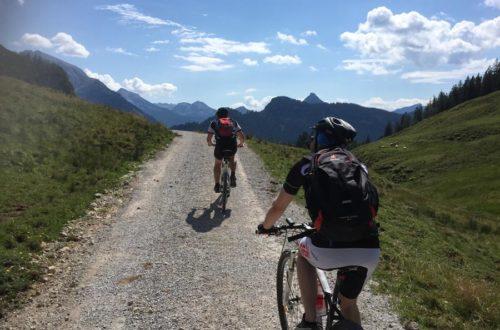 Mountainbiker vor Hundalm