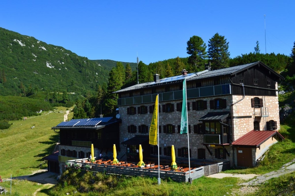 Die Neue Traunsteiner Hütte