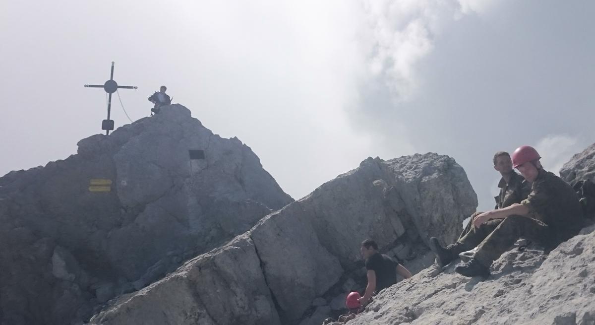 Klettersteigset Watzmann : Gebirgsaufklärer aus füssen überschreiten den watzmann