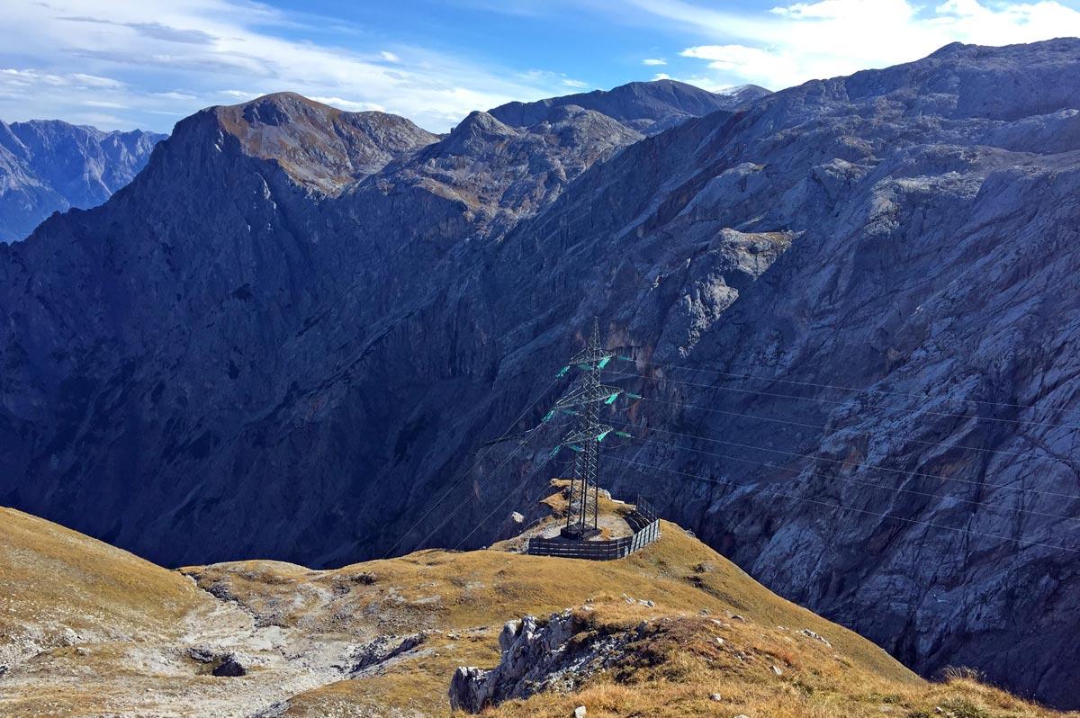 Hochspannungsleitung in der Torscharte zwischen Steinernem Meer und Hochkönig
