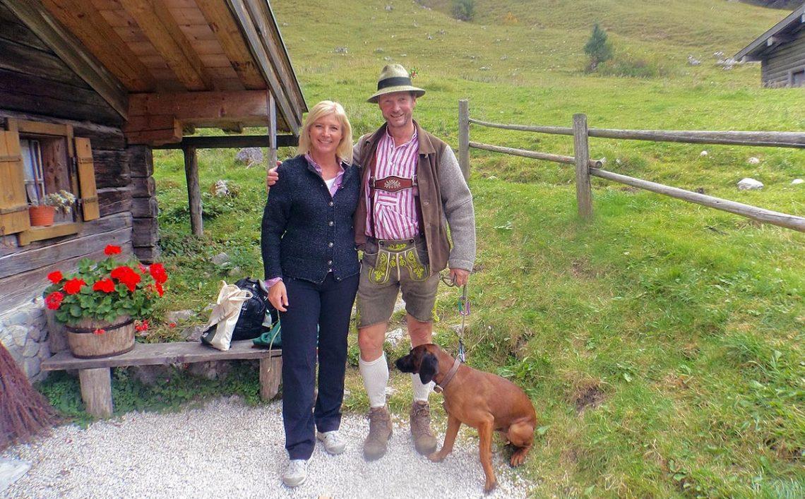 Zu Besuch im Bergsteigerdorf Ramsau: Umweltministerin Ulrike Scharf auf der Bindalm