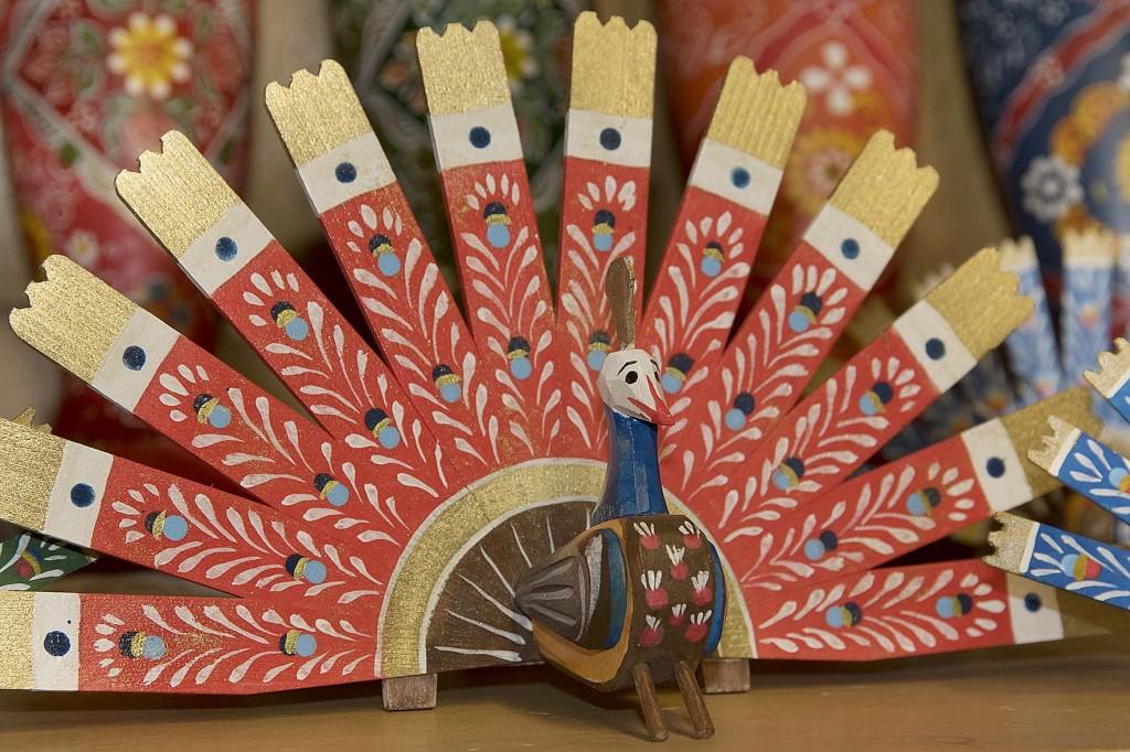 """die bekannte Berchtesgadener Handwerkskunst """"Berchtesgadener Ware"""" - ein ganz besonderer Christbaumschmuck - der Pfau"""