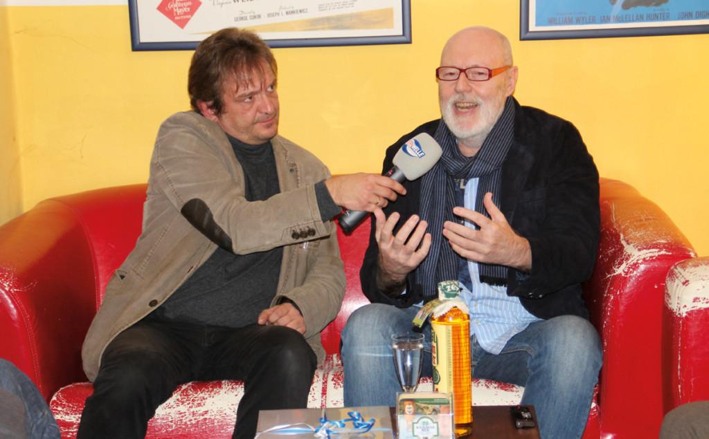 Marco Bolz-Maltan von der Bayernwelle Südost mit Stargast Ben Verbong