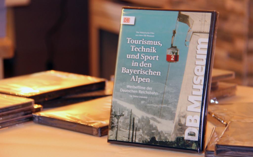 """DVD """"Historische Fremdenverkehrsfilme Tourismus, Technik und Sport in den Bayerischen Alpen"""" © Thoma-Bregar"""