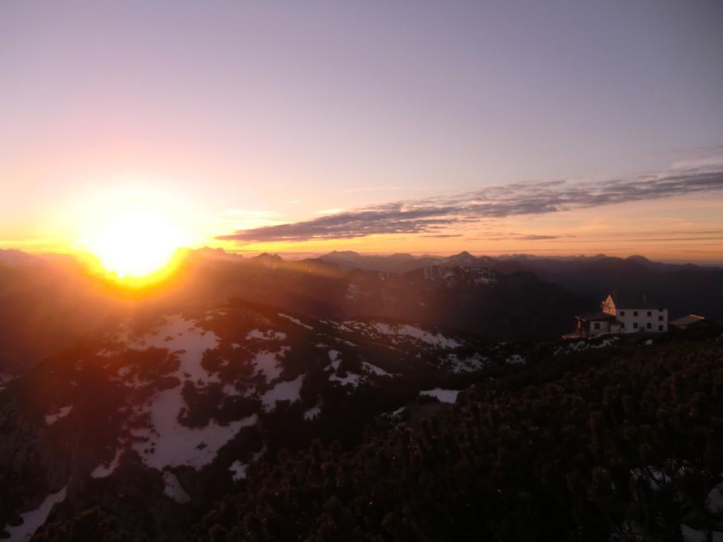 Sonnenuntergang zu Heiligabend am Berchtesgadener Hochthron