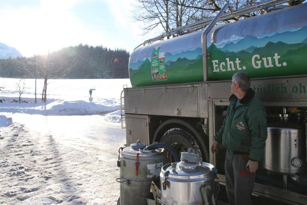 Milchfarer Franz genießt das Winterwetter
