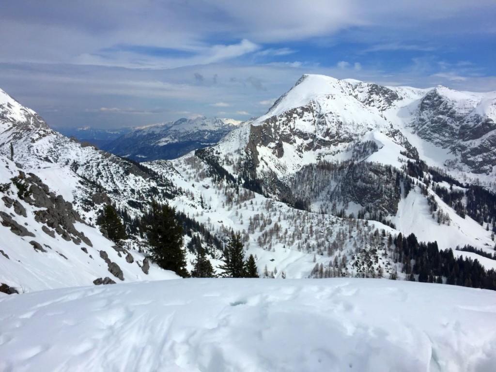 Blick auf Schneibsteinhaus und Torrener Joch