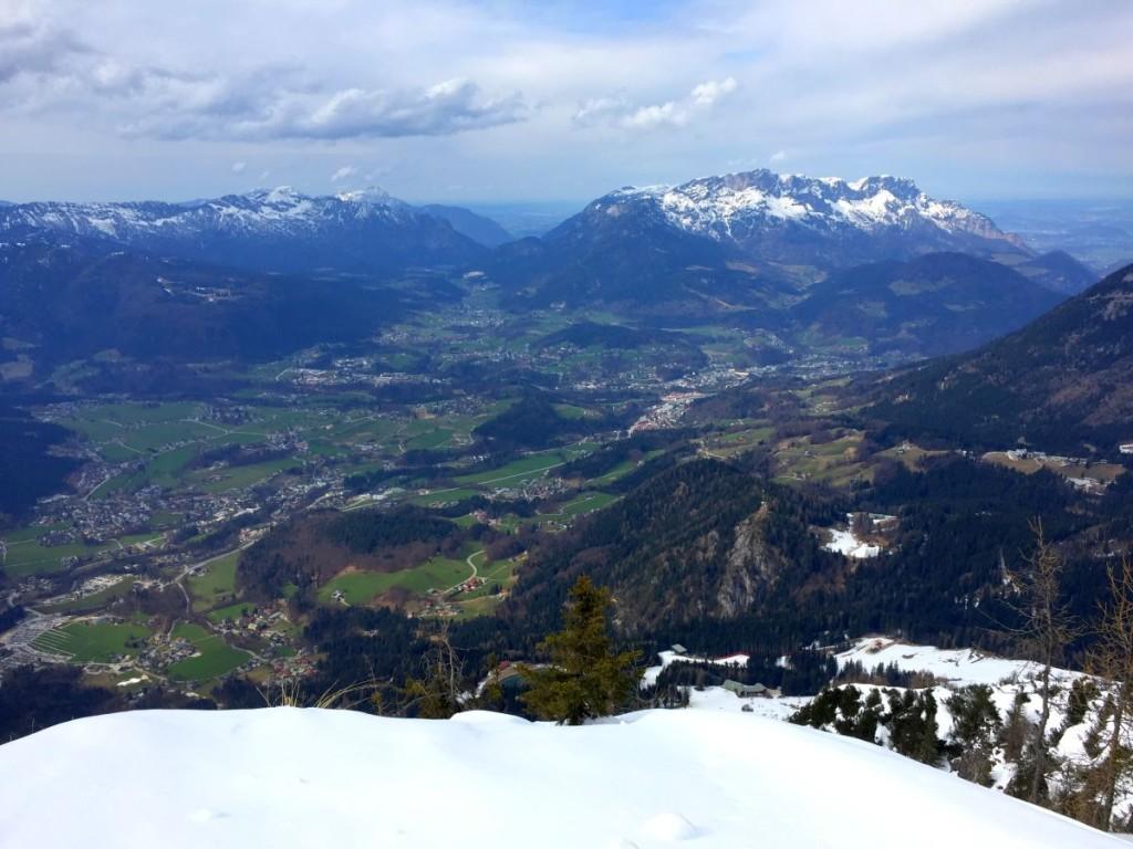 Blick vom Jenner über den Berchtesgadener Talkessel mit Untersberg und Lattengebirge