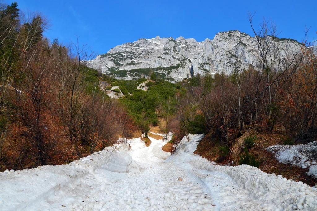 Schnee im Antonigraben Halsalm Ramsau