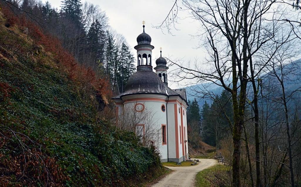 Im Wald versteckt: Die Wallfahrtskirche Maria Kunterweg