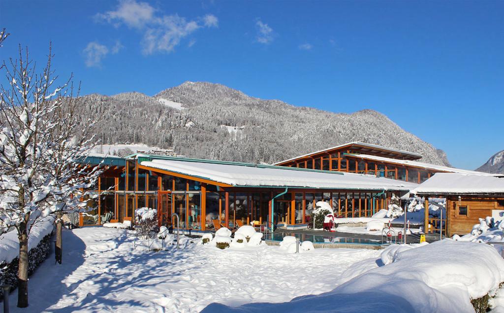 Der Außenbereich der Watzmann Therme im Winter