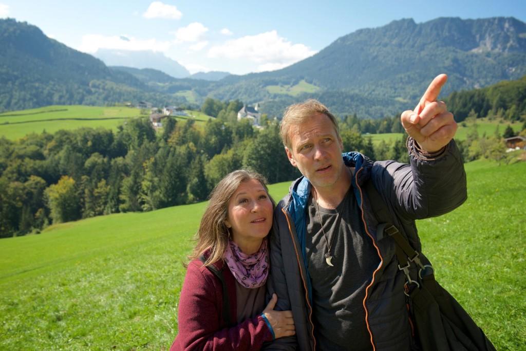 Eva (Eva Mattes) und David (Christoph Grunert) beim Wandern © ZDF Bernd Schuller