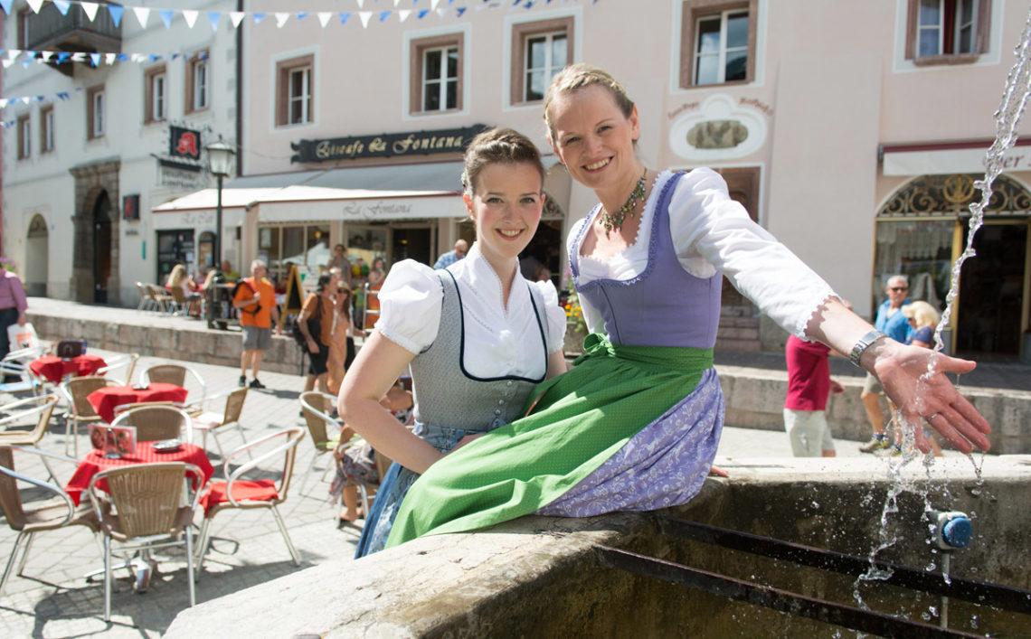 Flanieren in der Fußgängerzone Berchtesgaden
