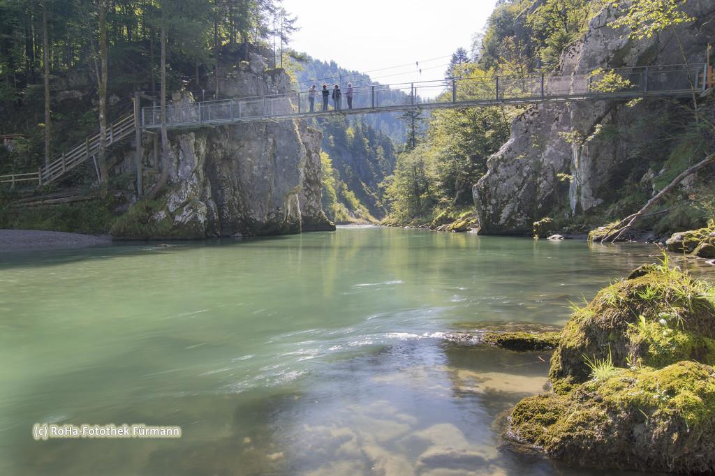 über die Talenge - das Entenloch - (Großache - Kössener Ache - Tiroler Ache) führt der sogenannte Schmugglerweg, ein wunderbarer Wanderweg von Klobenstein nach Schleching
