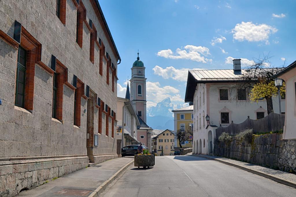 Durchs Nonntal zur Pfarrkirche Berchtesgaden