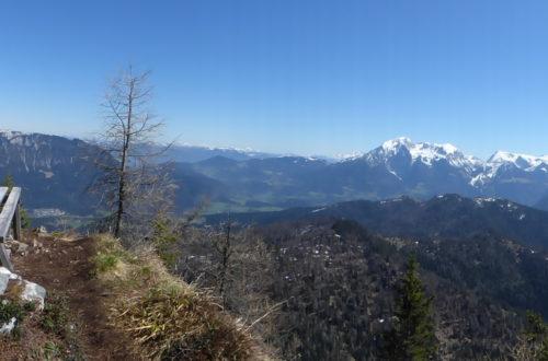 Gipfelbank am Karpsitzgipfel