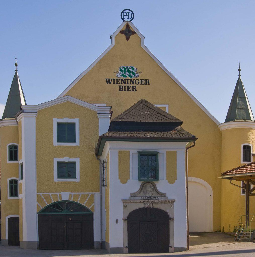 die Gebäude der Brauerei Wieninger in Teisendorf, Teisendorf liegt im Landkreis Berchtesgadener Land, Oberbayern, Deutschland