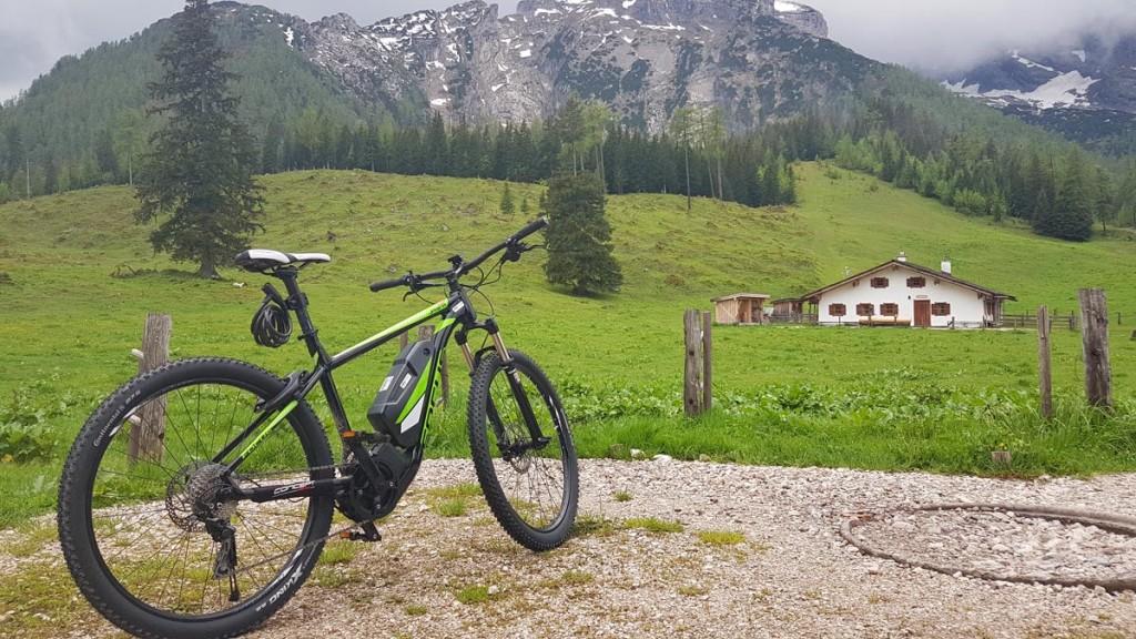 Mit dem E-Bike auf der Kühroint-Alm
