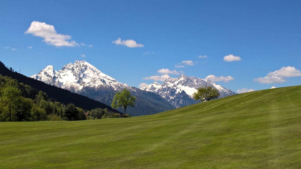Golfen mit Watzmann-Blick: Der 9 Loch Golfplatz am Obersalzberg