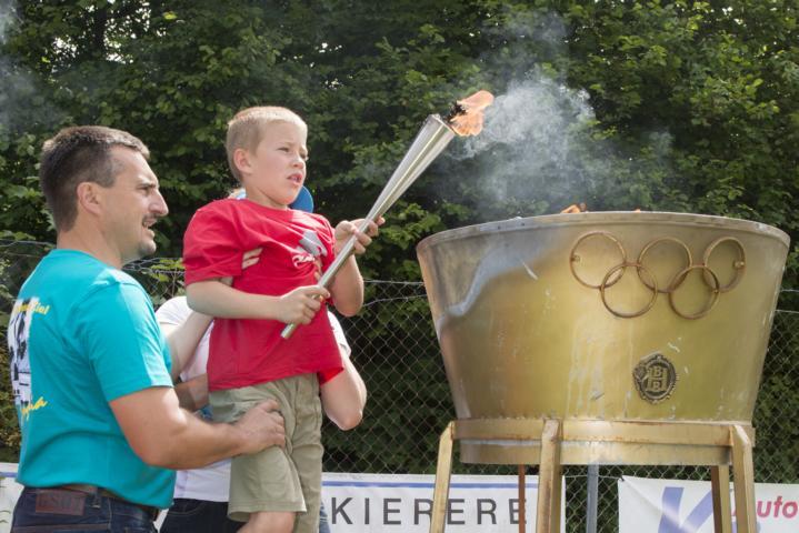 Georg Hackl bei der Eröffnung der Kinder- und Jugendolympiade