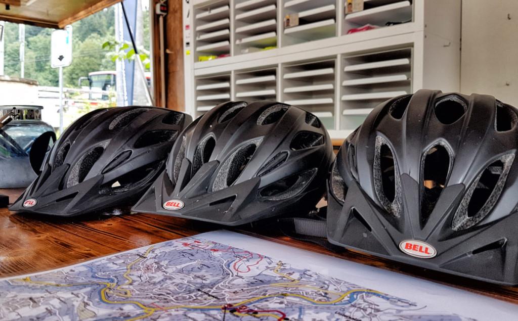 Ohne Helm geht nicht's beim Mountaincart-Fahren