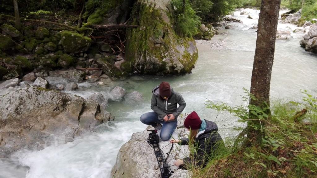 Filmaufnahmen über der Ramsauer Ache.