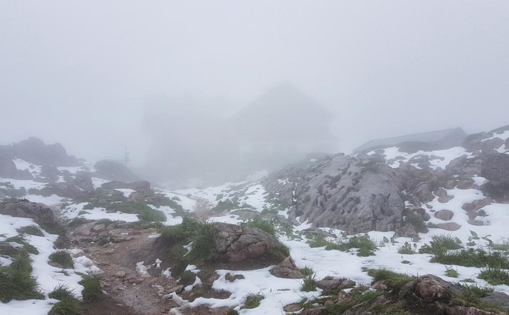 Das Ingolstädter Haus im Nebel