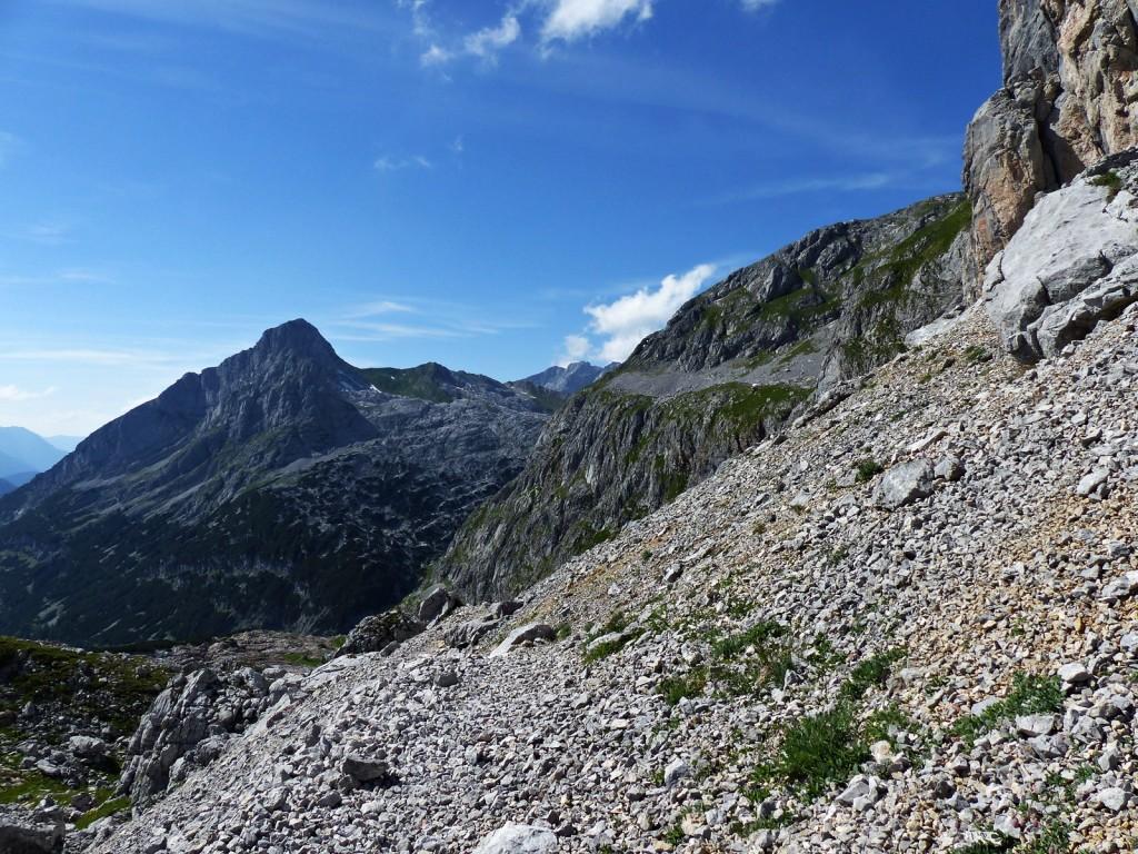 Abstieg über Geröllfelder © Ann-Kathrin Helbig