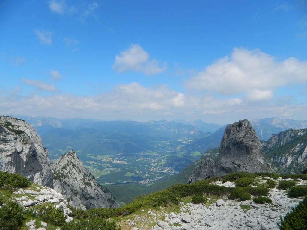 Blick über das kecke Pflughörndl hinab auf den Berchtesgadener Talkessel