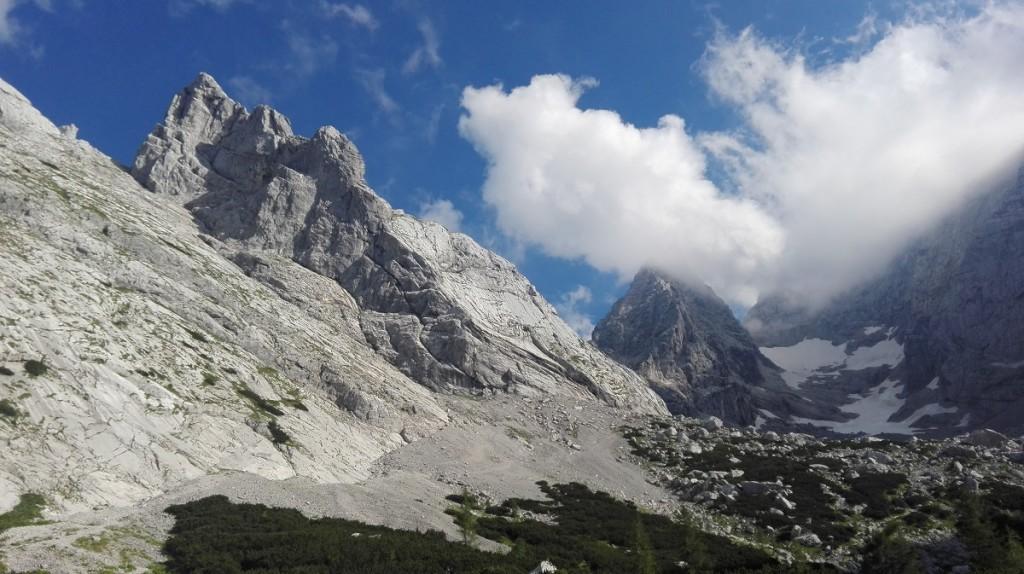 Die beiden Gipfelziele der letzten Tage: Schärtenspitze links und Hochkalter in Wolken
