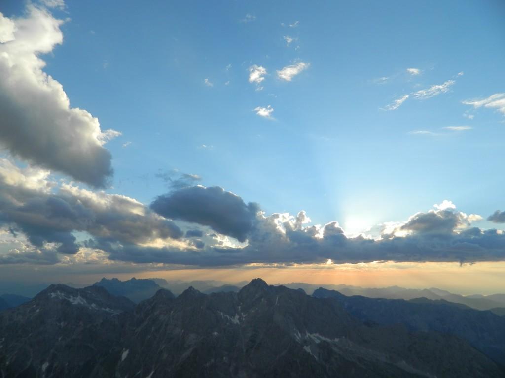 dramatische Sonnenuntergangsstimmung über dem Hochkalter
