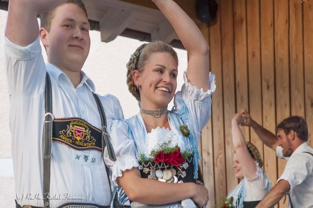 traditioneller Heimatabend des Trachtenvereins Anger-Höglwörth beim Klosterwirt in Höglwörtt im Gastgarten