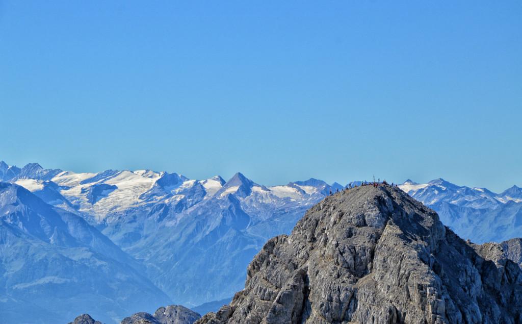 Blick von der Mittelspitze zur Südspitze des Watzmanns