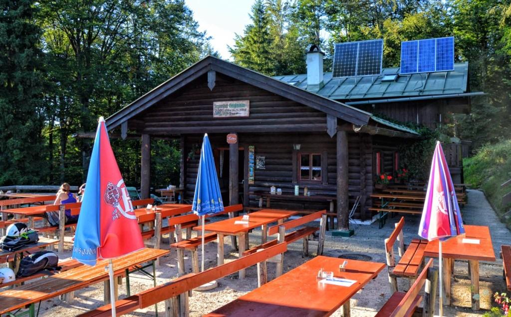 Die letzten Sonnenstrahlen an der Grünsteinhütte