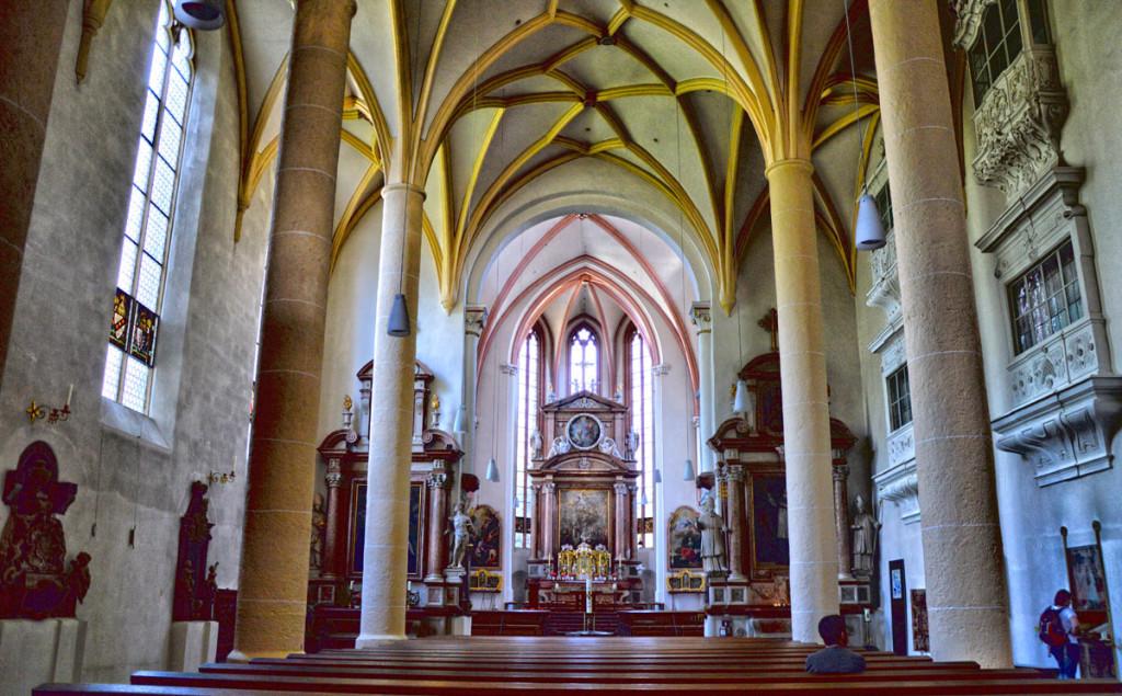 Der Innernaum der Stiftskirche Berchteagden