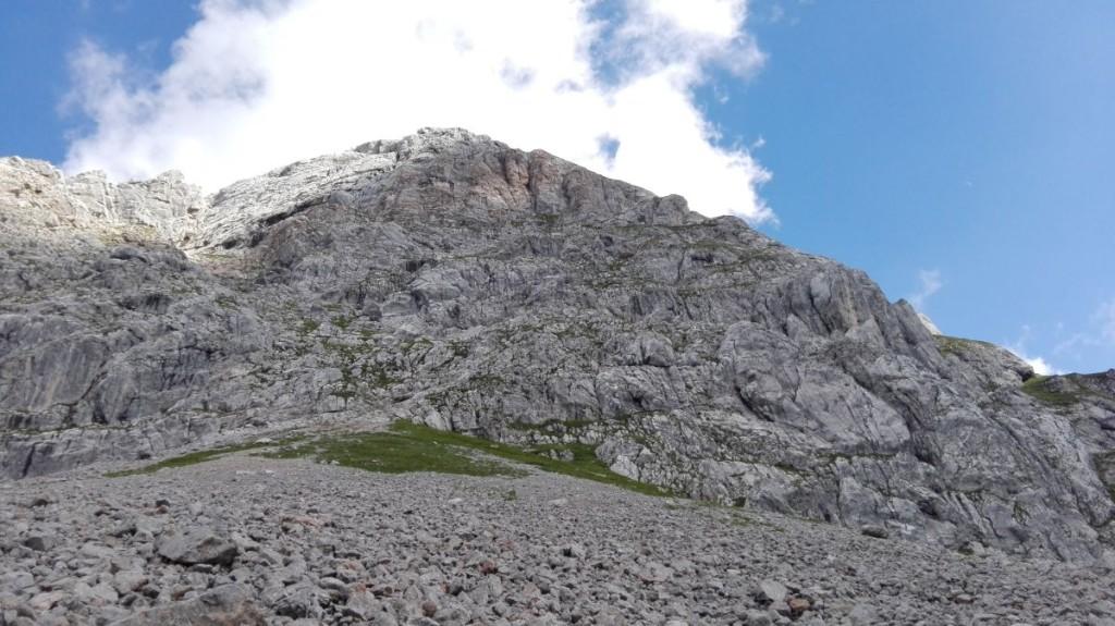 Flanke des Kahlersberg durch die der Aufstieg durchs Mausloch führt.
