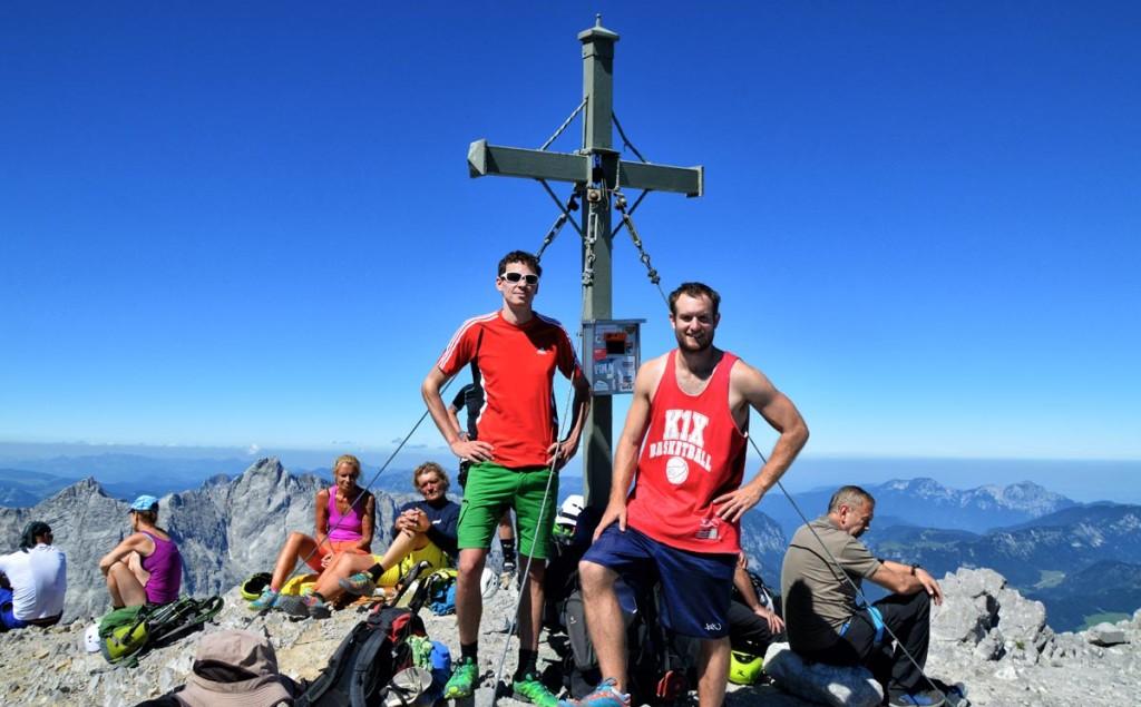 Am Gipfelkreuz der Südspitze