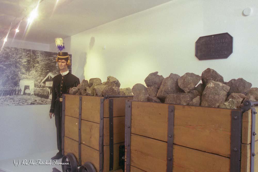 Bergmann bei der Arbeit im Bergbaumuseum in Achthal, Gmd. Teisendorf, Rupertiwinkel, Oberbayern, Bayern, Berchtesgadener Land