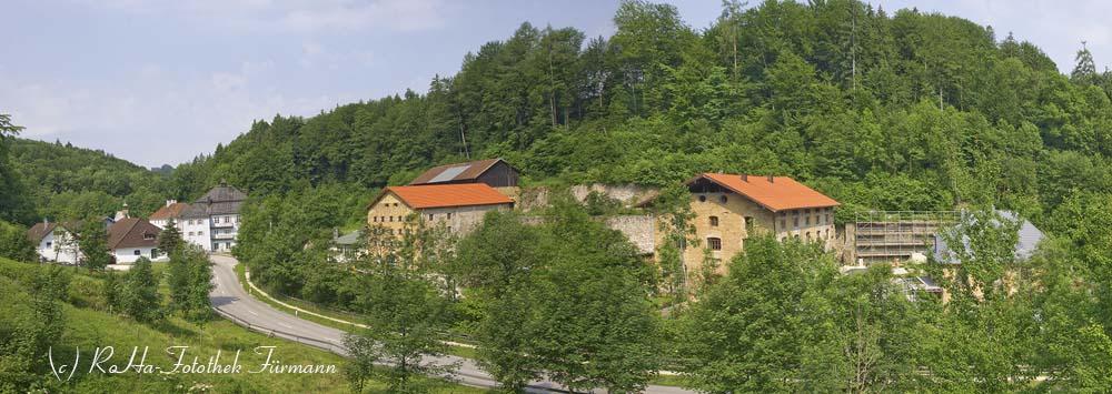Achthal mit den Gebäuden des ehemaligen Eisenabbaues, Gmd. Teisendorf, Rupertiwinkel, Oberbayern, Bayern, Berchtesgadener Land