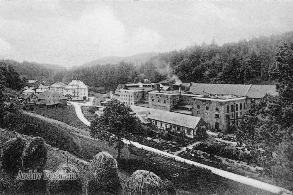 Achthal in der Gemeinde Teisendorf (Ortsteil Neukirchen) Achhtal war eine bedeutete Eisenhütte, in der an Ort und Stelle das in Achthal gewonnen Roheisen verarbeitet wurde