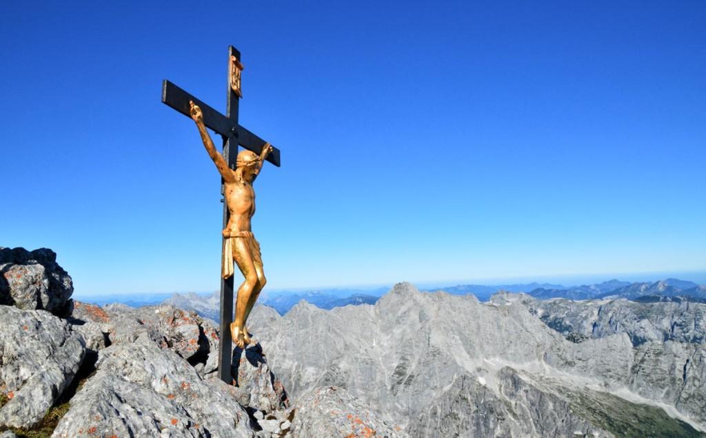 Das Gipfelkreuz auf dem Watzmann-Hocheck