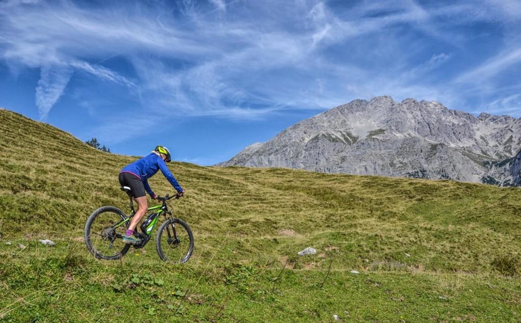 Abfahrt mit dem E-Mountainbike © Bilderecke Barbara Rasp Hobbyfotografie